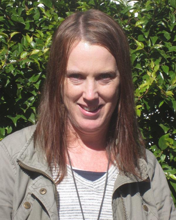 Dr Carolyn Howell